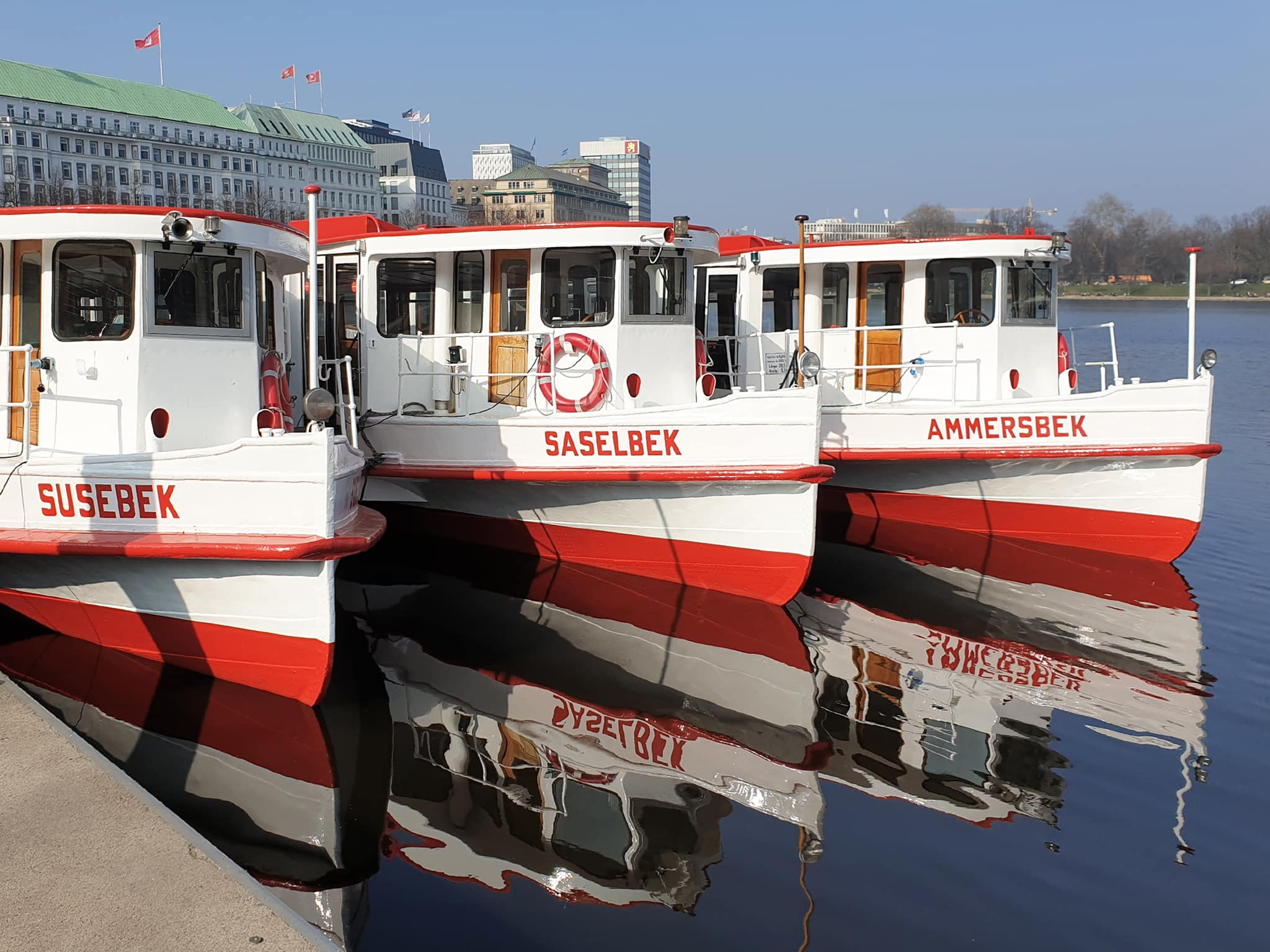 An der Binnenalster in Hamburg (Jungfernstieg) - Foto: FOLLOW ME Hamburg