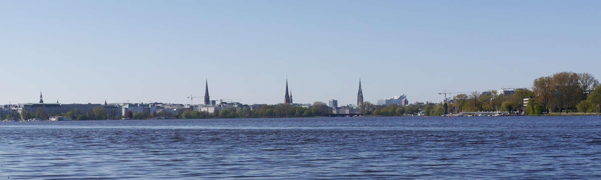 Hamburg Aussenalster Blick auf Skyline - Foto: FOLLOW ME Hamburg