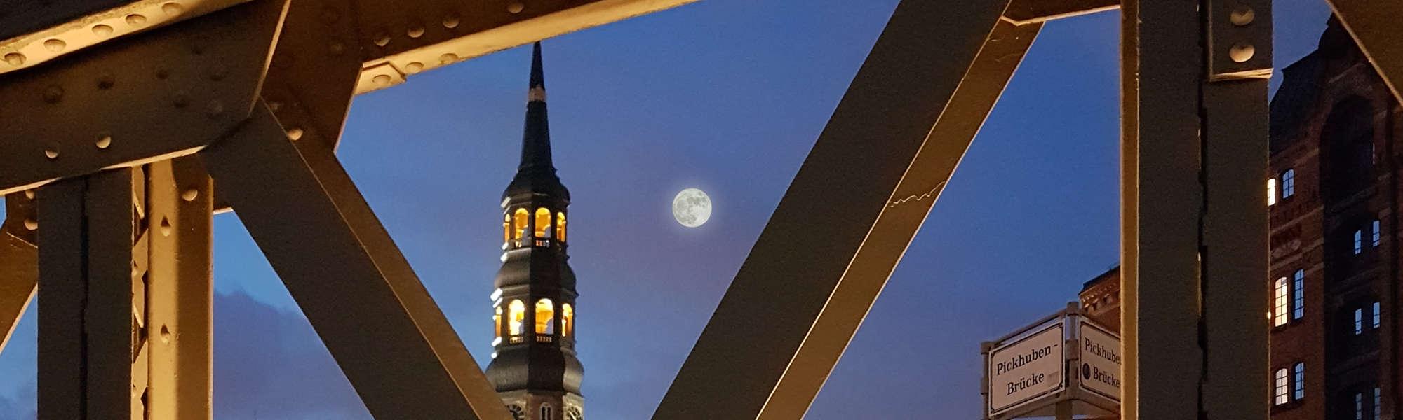 Hamburg Speicherstadt HafenCity Vollmond | FollowMe Hamburg