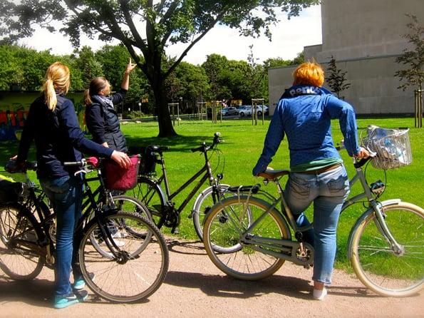 Auf der Radtour durch Wilhelmsburg am Ernergiebunker - Foto: FOLLOW ME Hamburg