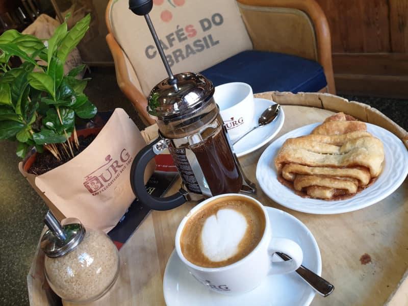Kaffeepause mit Franzbrötchen im Genuss-Speicher