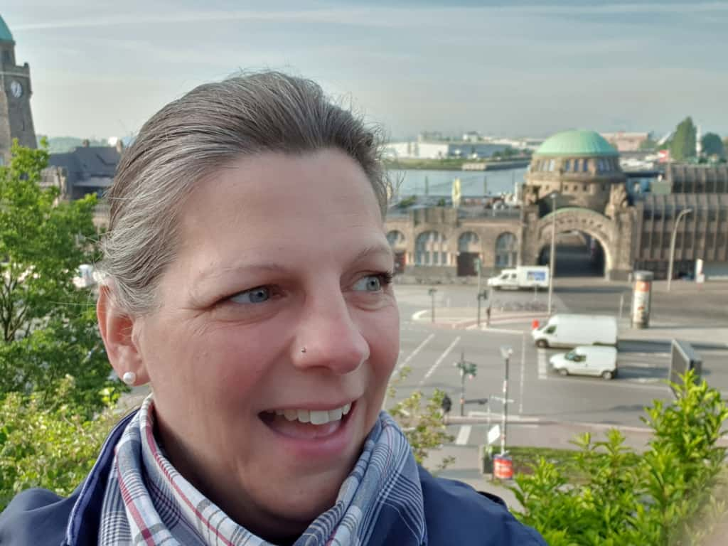 Hamburg Guide Daniela an den Landungsbrücken | Foto: FOLLOW ME Hamburg