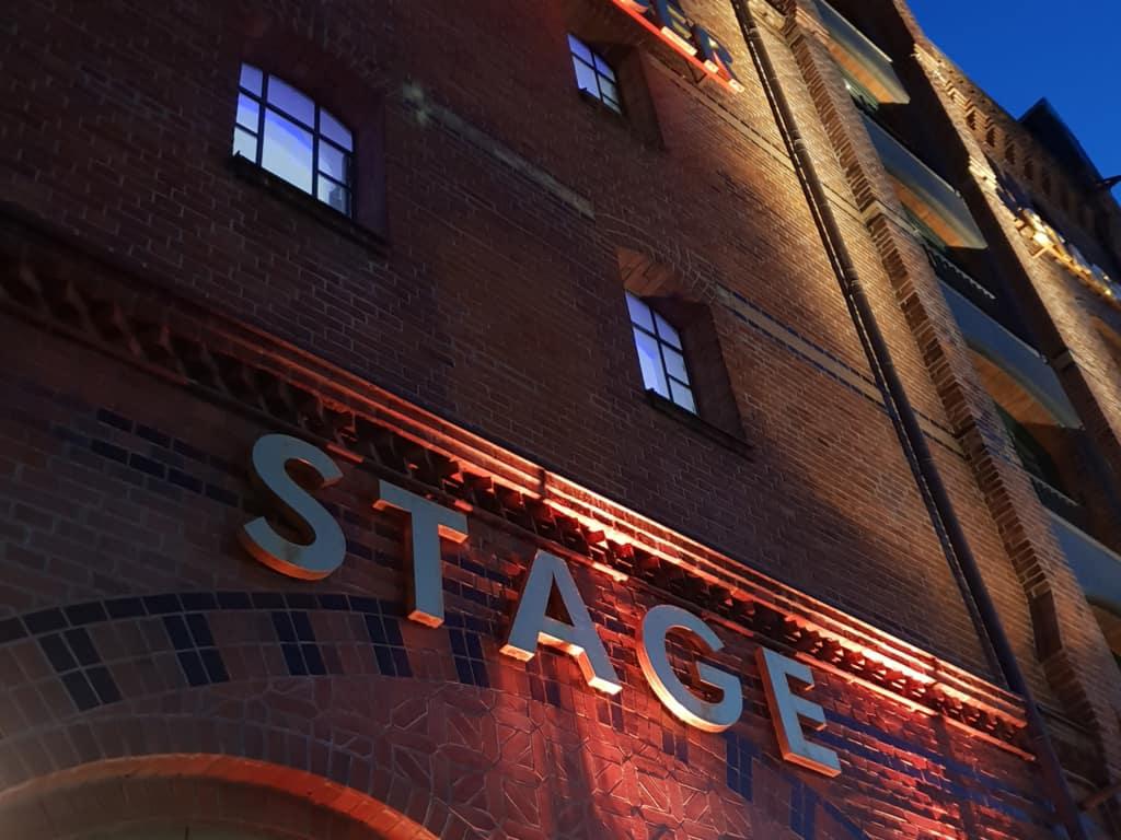 Stage Theater in der Speicherstadt (hochkant) - Foto: Follow Me Hamburg